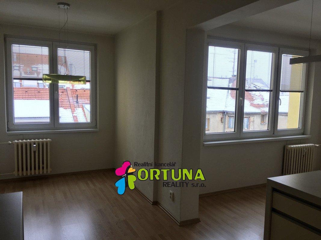 Pronájem zařízeného bytu 3+kk, J. Š. Baara, České Budějovice