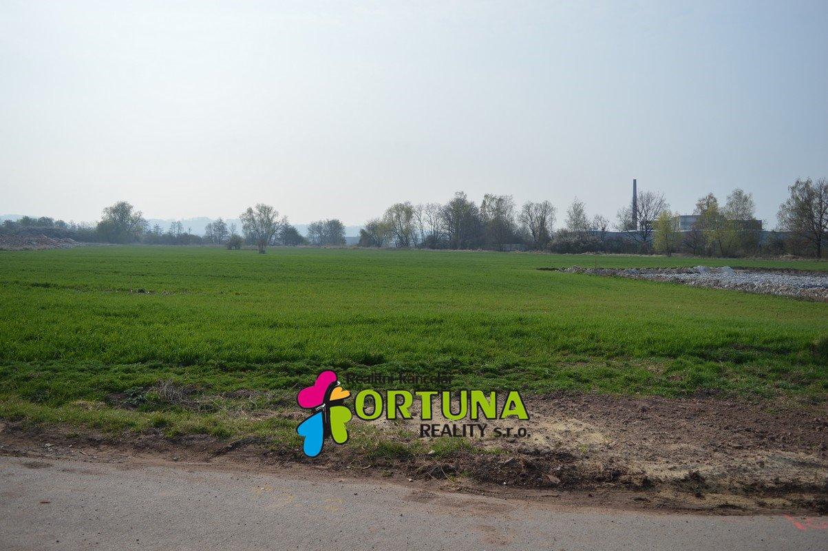 Prodej pozemku 2219 m2 pro komerční výstavbu - České Budějovice, Okružní ulice