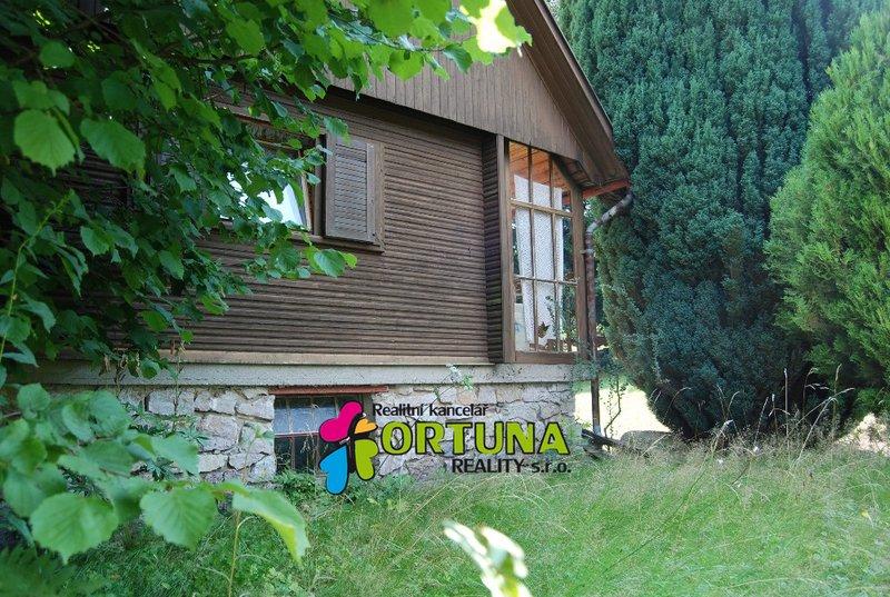 Prodej chaty s vlastním pozemkem, Kamenice - Ládví
